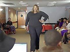 mujeres atractivas más tamaño