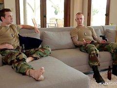 NextDoorBuddies Str8 Военные краюха трахает Гей