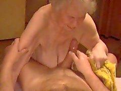 Büyükanne Cumshot 04
