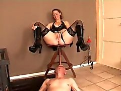 Los esclavos de tocador - 11