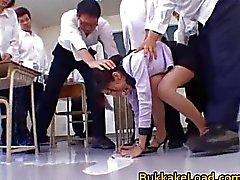 College lärare Rei Shina älskar