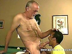 Vita pappan knullar hans Black Boys Ass