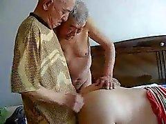 2 дедушек ебете дедушка