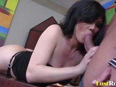 Lusty Ava Rose receives a hot thick facial