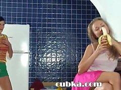 Ninfas come Especia en el cocina pequeña