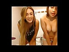 3 tyttöä vuorottelevat köniinsä pussies