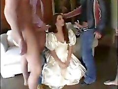 Princesa Branca recebe uma gangue inteira de prazer seus buracos fome