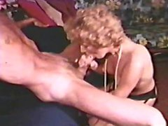 Sahne 3 - delikten çıplak kadın izleme 358. 70'li 80'leri ve Döngüleri'nden