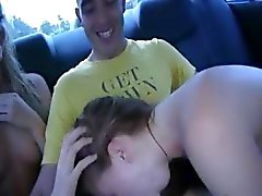 Tenn college tytöt parittelee autoissa