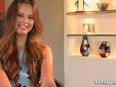 TEENGONZO Nice tits Jillian Janson täynnä valkoista kukkoa