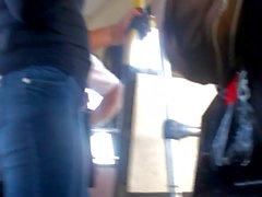 novinha rabuda jeans onibus 3