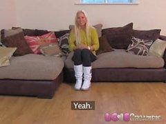 Rakastaa Creampie Spunk täytettiin pimpero kaunis Czech tyttö teeskennellä haastattelussa