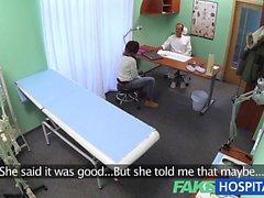 FakeHospital Docteur résout le problème des chat humide