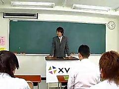 japanilainen tyttö vittu luokkahuoneessa