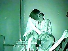 soset-pod-stolom-porno-foto