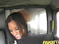 FakeTaxi - koca Siyah haired milf hileler
