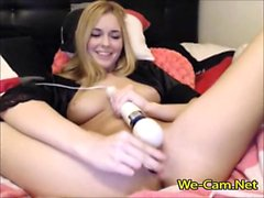 Young blonde hair girl enjoy pussy with toys in camchat