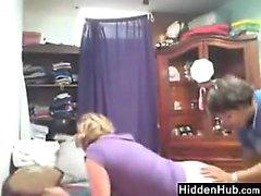 Lesbien Sœur espionné par une de Caméra Cachée