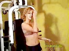 gym nudist