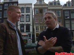 Real bigjugged holländsk hooker facialized