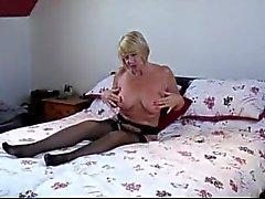 Inglese chiari Sesso con suocera - GILF Strip Amy ed scopa