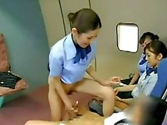 Aasian lentoemäntä paukuttikapteeni