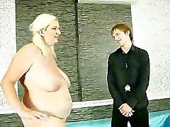 Blondes Mollige Frauen herrscht sowie saugt Hahn für diesen Kerl