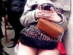 Sexy legs im metro 5 Sexy Beine in der U-Bahn 5