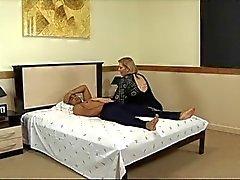 Olgun yağlı horoz berbat ve otel yatakta becerdin alır