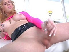 Shemale Juliette Stray Gets Naughty Alone