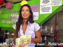Nur Kellnerinnen ficken in öffentliche bar gegen Bargeld