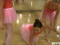 Ballerinas praticed how to satisfy pussy