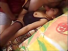 Филиппинка - Латина получает осел трахается за 2 ребят