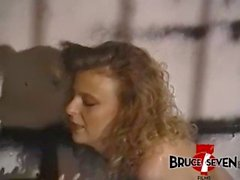 BRUCESEVENFILMS - Jamie Leigh ama un tratamiento lesbo brusco