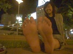 ASIAN DREAM GIRL...STINKY FEET!!! - Candid Stinky Soles
