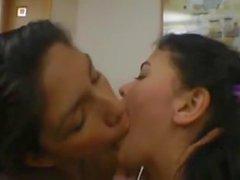 girl deep kisses