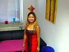sexy Thais meisje neukt haar zelf ( zoete Duitse dirty talk )