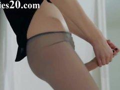 Hot 18yo girl strip in front of mirorr