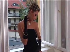 Smoking Domina playing - 2