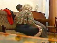 Venäläisen Isoäiti ja hänen Nuoremmat rakastajan