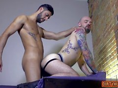muscle gay oral sex and cumshot clip segment 2