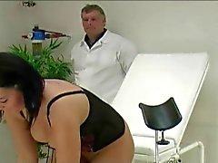 Nancy Der Pussy Prügelstrafe