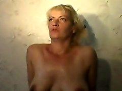 Dirty Sürtük ev kadını Olga her şeyi yapan