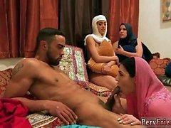 Herstellung Teen Orgasmus Hot arabische Puppen versuchen Vierer