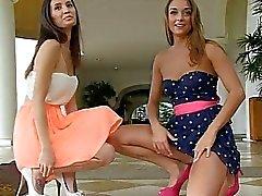 María y Aubrey I lesbianas petite tetas coño públicos intermitentes