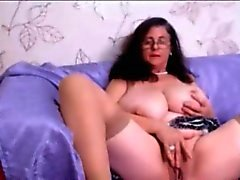 mature with glasses fingers pussy
