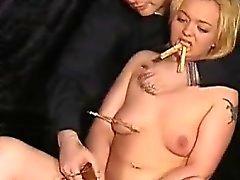 Moustrapped del Pussy del di schiavi legati di Donna