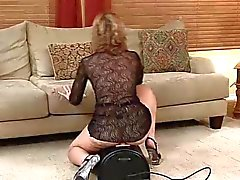 Hot Mature ratsastaa Sybian ... IT4REBORN