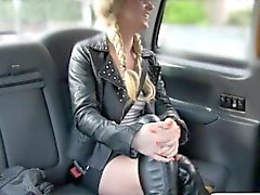 Pretty amateur blonde slut sucks and fucked by fake driver
