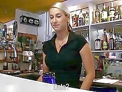 Hot bartender chick Lenka fucks för kontanter